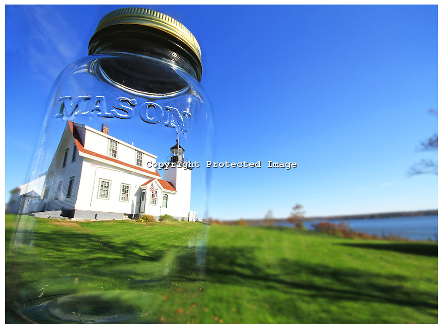 Fort Point Lighthouse in a Masonr   Todd Burgess