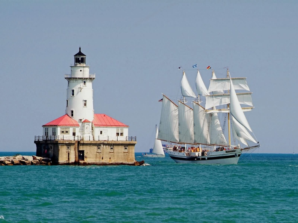 tall-ship-windy-sails-past-the-chicago-harbour-lighthouse-illinois-1024×768.jpg