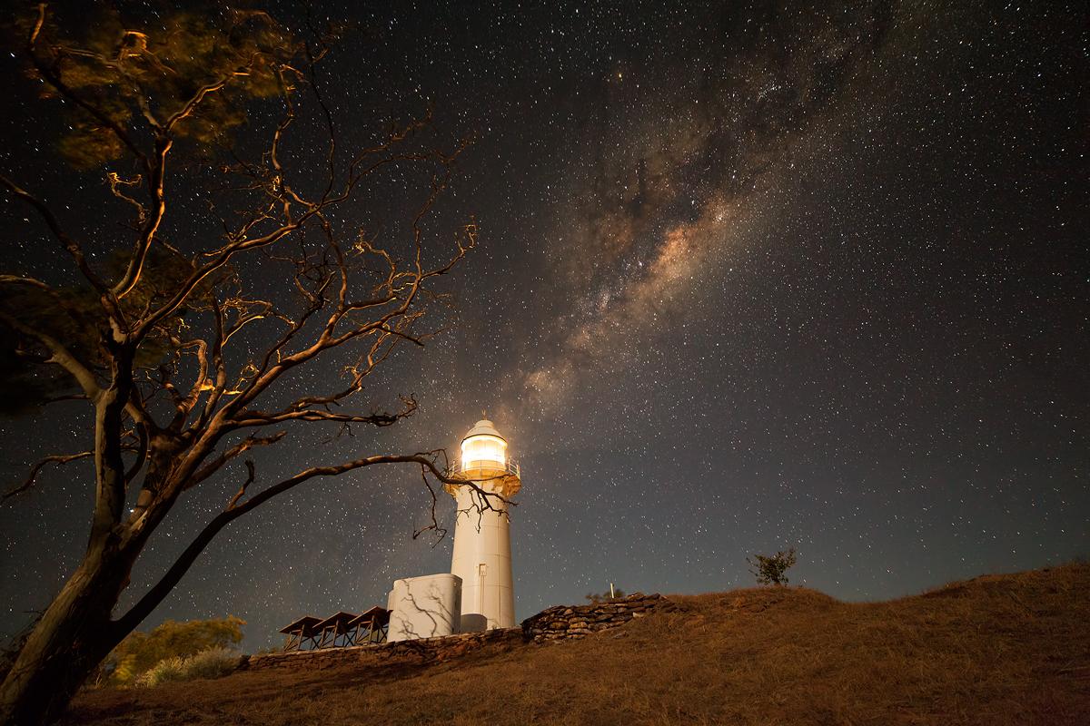lighthouse-milkyway5-38651.jpg