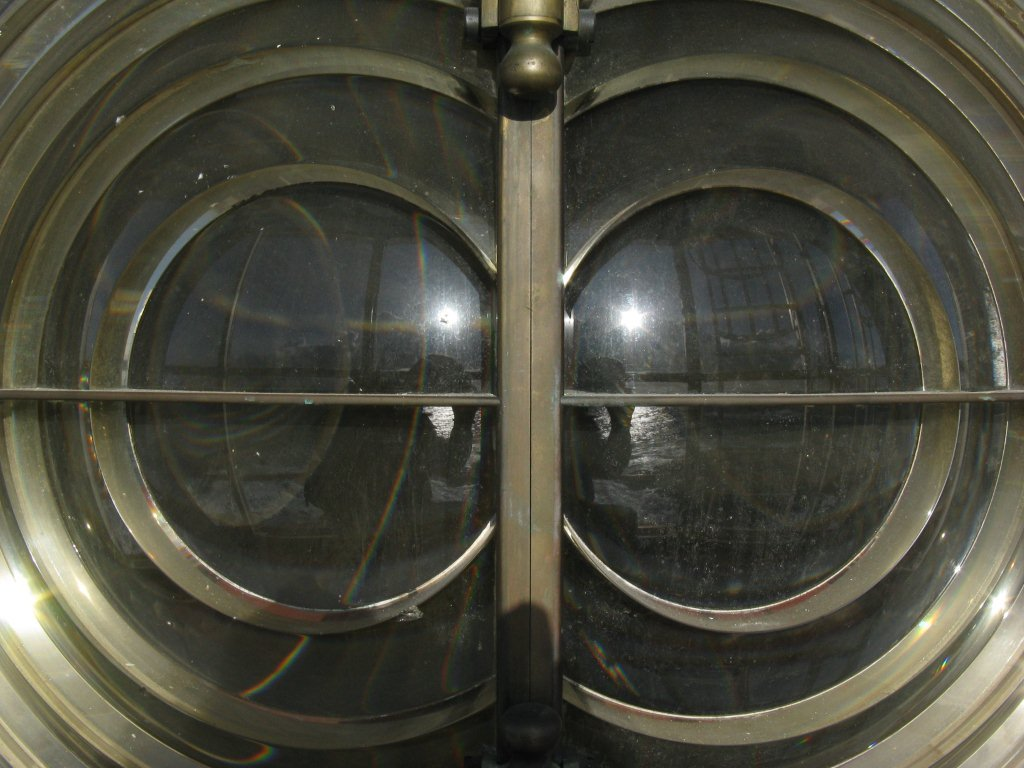 The twin bullseye Fresnel lens - no longer in service