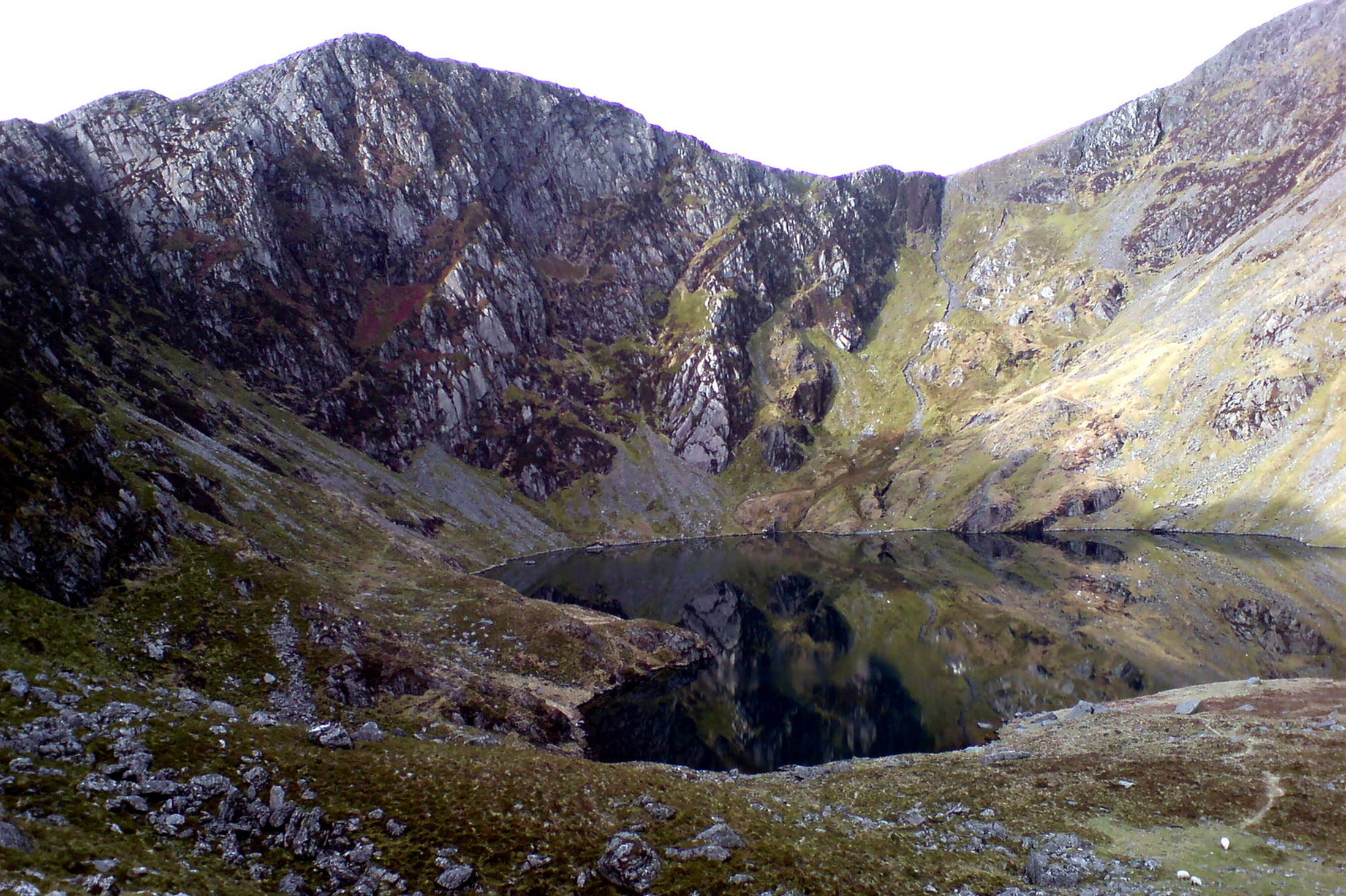 the-llyn-cau-glacial-lake-is-said-to-be-bottomless-6242988
